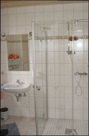 Bath - Shower and washbasin in the holiday apartment ground floor